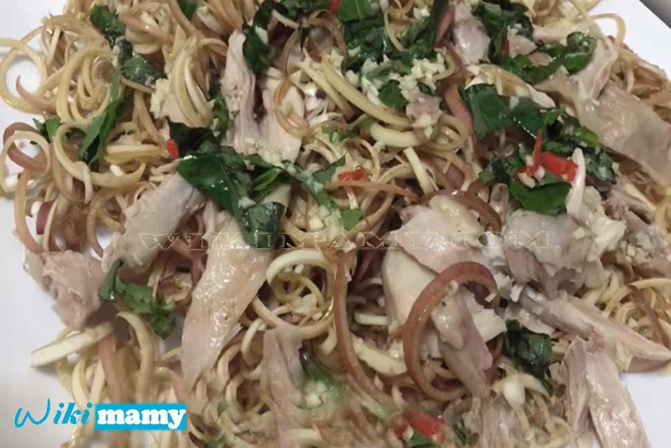 Hướng dẫn cách làm thịt gà xe phay hoa chuối